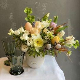 Пасхальні квіткові композиції