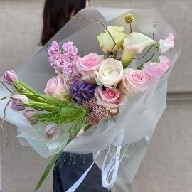 Fresh flowers delivery 🌸  For